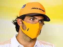 Carlos Sainz shows that he has not forgotten karting