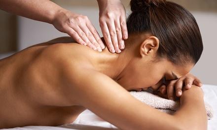 3 o 5 massaggi da 50 minuti a scelta tra decontratturante, antistress e linfodrenante (sconto fino a 72%)