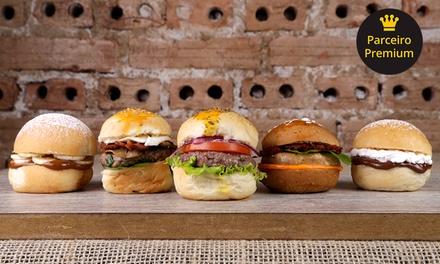 Rodízio de mini hambúrguer para1, 2 ou 4 pessoas nA Casa do Ferreiro Bar – Água Verde