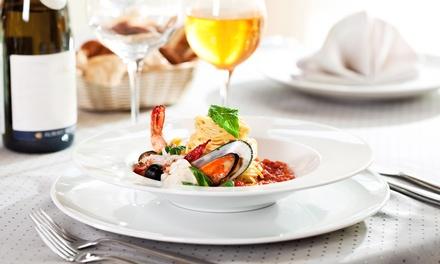Menu gourmet di pesce con calici di vino abbinati per 2 o 4 persone da Ristorante Très Bien (sconto fino a 67%)