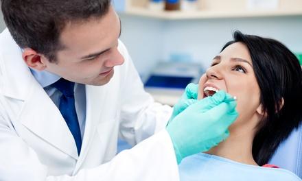 Una o 2 visite con pulizia dei denti, smacchiamento e sbiancamento led presso Nuova Triante (sconto fino a 91%)