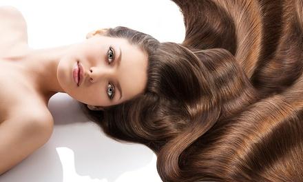 Shampoo, taglio e piega con uno, 2 o 3 trattamenti a scelta da Mallia by Lisa (sconto fino a 77%)