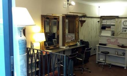 Shampoo, taglio, piega e altri trattamenti specifici presso il salone Smile, in centro a Varese (sconto fino a 73%)