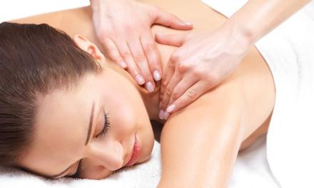 Uno o 3 massaggi da 45 minuti a scelta al salone Charme Beauty Chic di Genova. Valido in 2 sedi