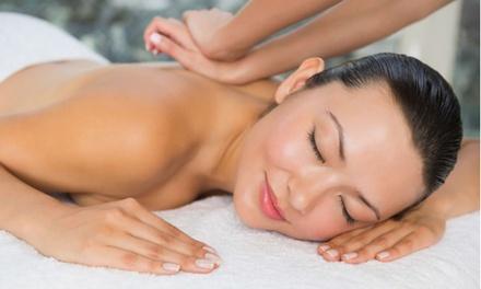 3 massaggi a scelta da 30 o 50 minuti al Centro Estetico Polverini (sconto fino a 75%)
