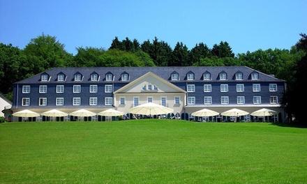 Bergische Land: tweepersoonskamer met ontbijt, wellness en naar keuze halfpension, in conferentiehotel Maria in der Aue