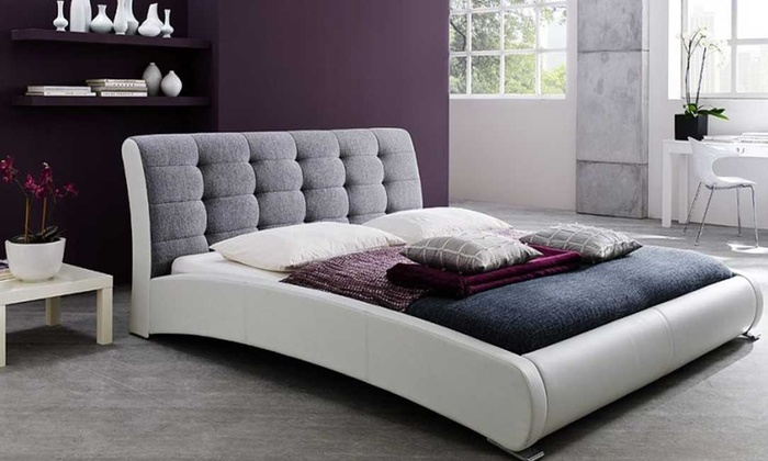 Tufted Queen Size Platform Bed