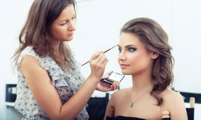 ExpertRating: $19.99 for a Makeup-Artist Online Certification Course from ExpertRating ($99.99 Value)
