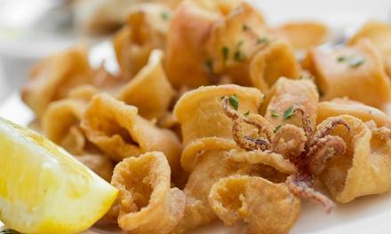 Menu di pesce alla carta con caraffa di vino per 2 o 4 persone al Caffè Divino (sconto fino a 72%)