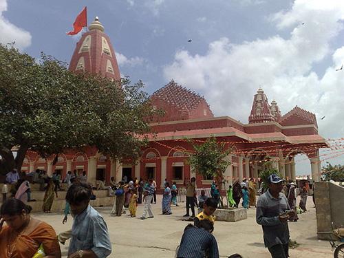 Shri Nageshwar Temple