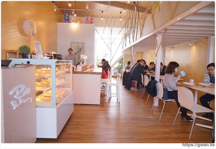 20180325234659 80 - 熱血採訪 | 卷卷蛋糕實體門市新開幕,買甜點送飲料,位置偏遠人潮卻不少