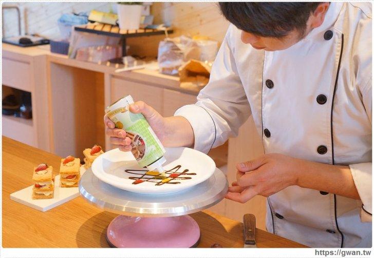 20180325234716 100 - 熱血採訪 | 卷卷蛋糕實體門市新開幕,買甜點送飲料,位置偏遠人潮卻不少