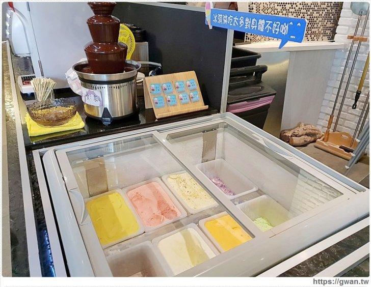 20181119013103 47 - 熱血採訪   台中首創薑母鴨搬進火鍋店,還可以玩扭蛋呦~(暫停營業)