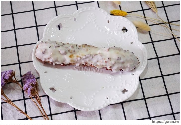 20190522212747 73 - 全家限定!!3點1刻炭燒奶茶泡芙、奶蓋蛋糕,大家覺得好吃嗎?