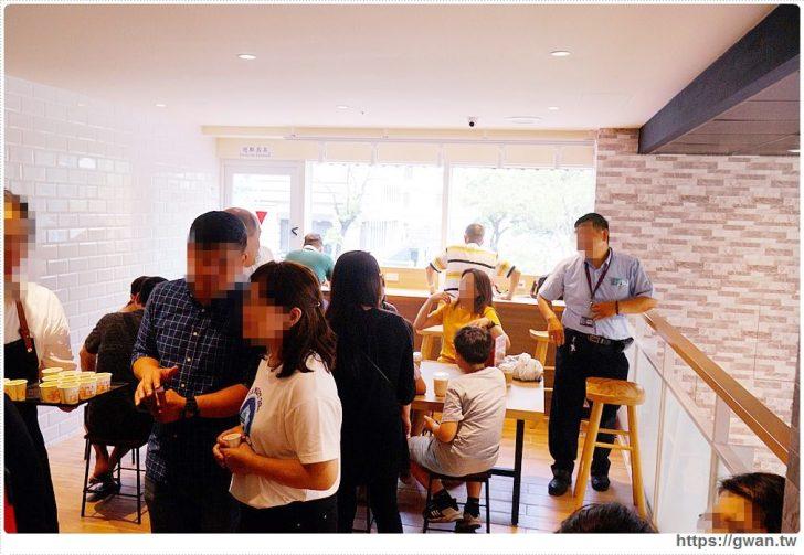 20190831210416 94 - 全台第一間全聯咖啡館開幕囉!早上就能吃到多款甜點,營運首日人潮擠爆~