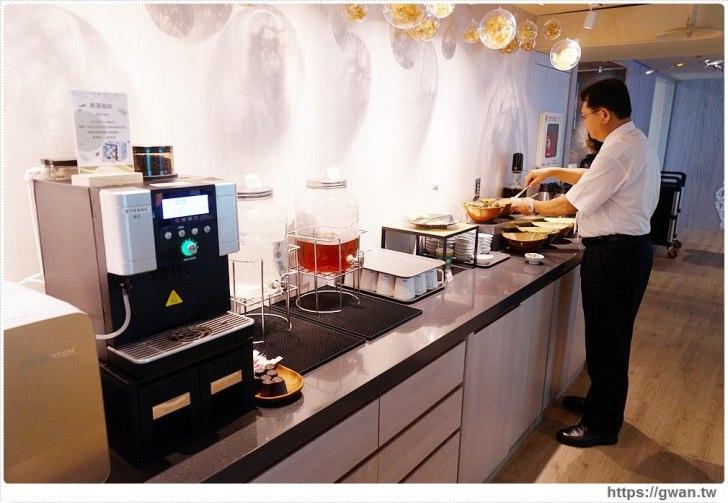 20191020040757 89 - 熱血採訪 台北新開的多元生活館,不用消費也有紅茶咖啡免費喝,尖峰時刻人潮大爆滿的 Hi-Q褐藻生活館