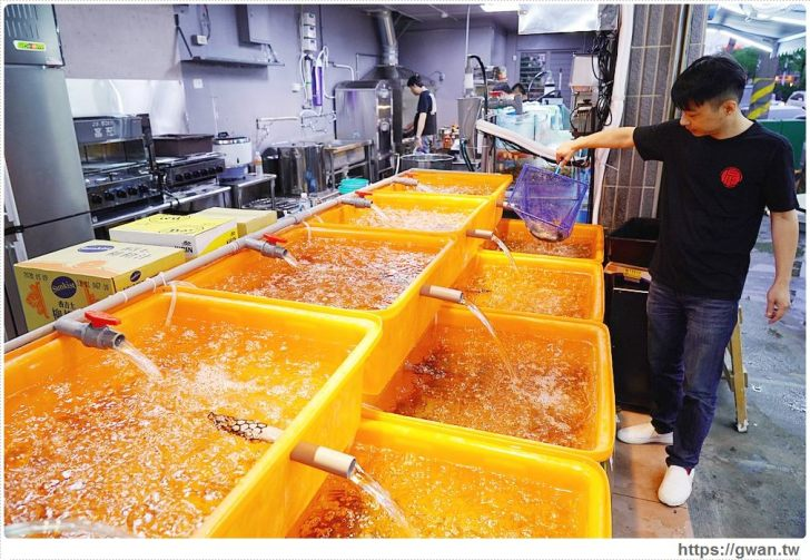 20200427172058 36 - 熱血採訪│台中接地氣的海鮮攤,各式海鮮現點現撈、白飯免費吃到飽,大里基隆港活海鮮新開幕!