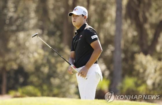 웨스트 우드, 플레이 어스 챔피언십 3R 2 타째 선두… 김시우 11 위