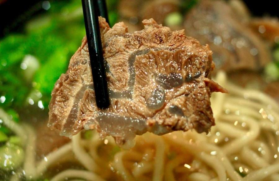桃園牛肉麵美食/中壢牛肉傳奇,鮮香味美的肉中驕子,這牛肉麵讚啦!