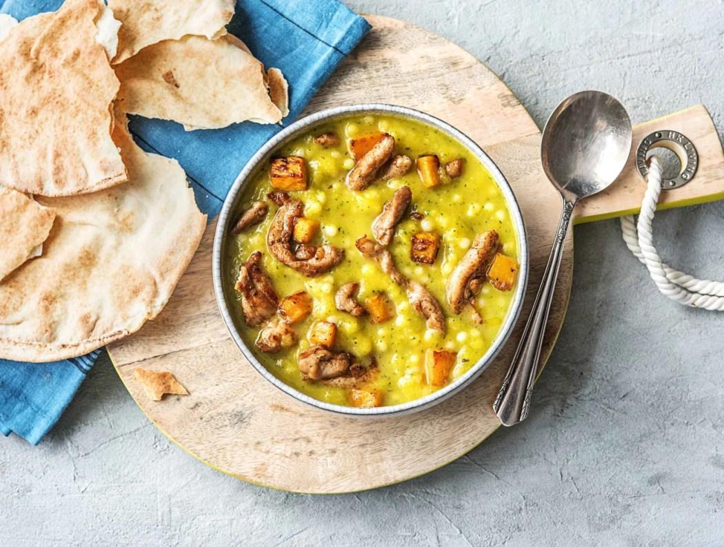 Turkse soep met ras el hanout-kip, parelcouscous, pompoen, courgette en rozemarijn