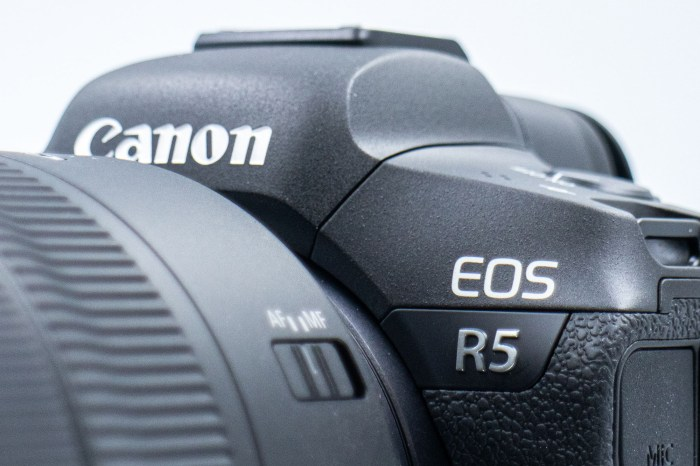 [比攝影107] Canon EOS R5 開箱 – 滿滿跨世代規格誠意之作,重新看待 Canon 產品定位