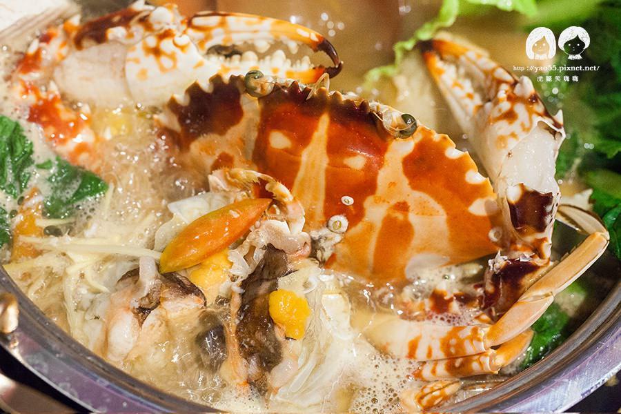 【美食】高雄|新湯底出爐!咕咚鼎養生火鍋,嗑不完的螃蟹鮮甜