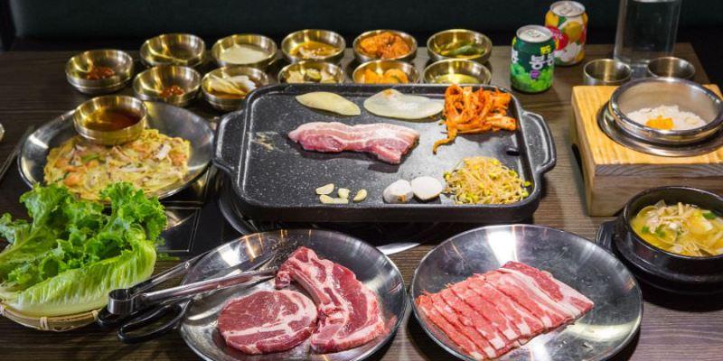 水刺床韓式烤肉餐廳(高雄)超豐盛燒肉兩人套餐,肉控必訪!生菜小菜免費續加