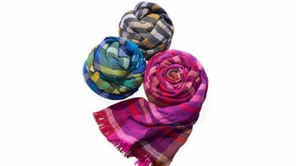 Echo scarves seen on Oprah's favorite things