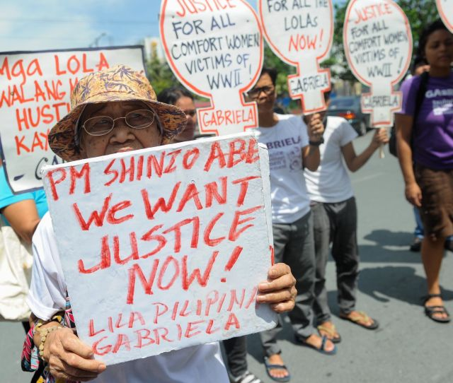 Lolas Protest In Front Of The Japanese Embassy On August