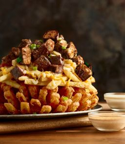 Outback's New Bloomin' Onion Has A Truly Terrifying Amount Of Calories | HuffPost Life