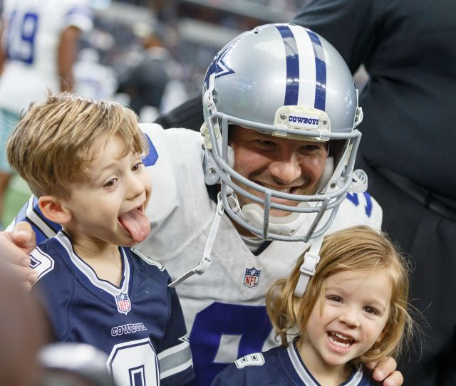 Tony Romo Has Two Sons 4 Year Old Hawkins And 3