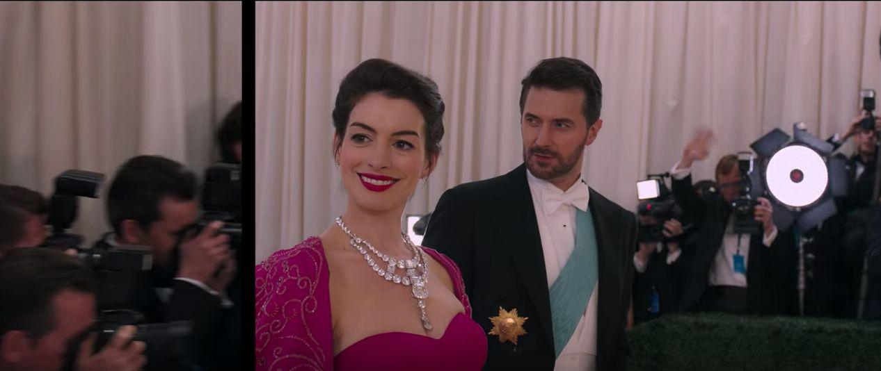Anne Hathaway wearing stunning jewels.