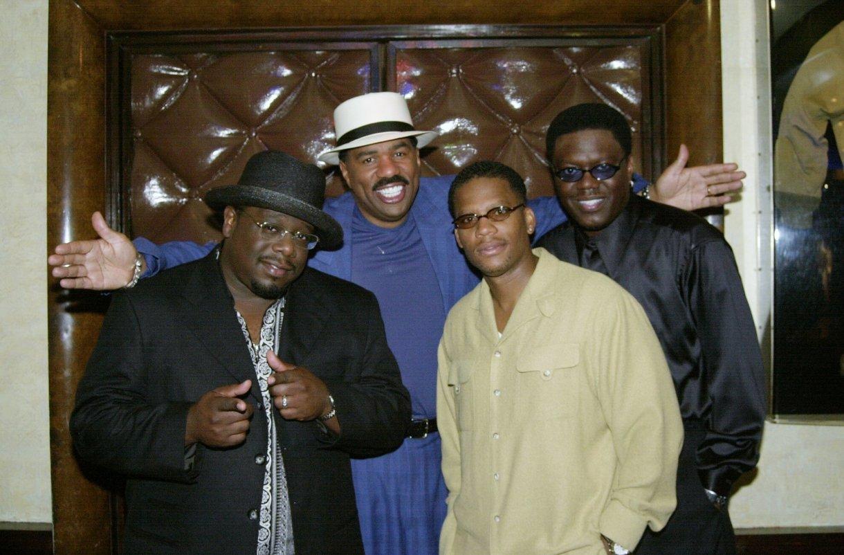 Cedric the Entertainer, Steve Harvey, D.L. Hughley et Bernie Mac, stars de