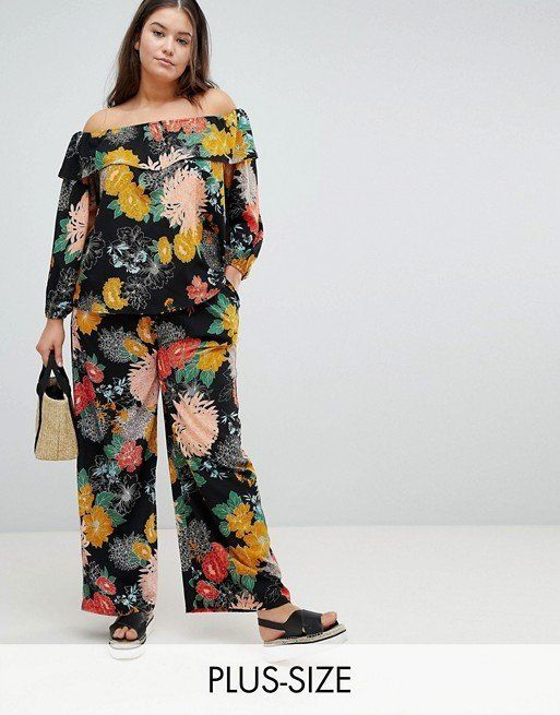 "Get the matching set <a href=""http://us.asos.com/glamorous-curve/glamorous-curve-bardot-top-pants-in-bold-floral-two-piece/gr"
