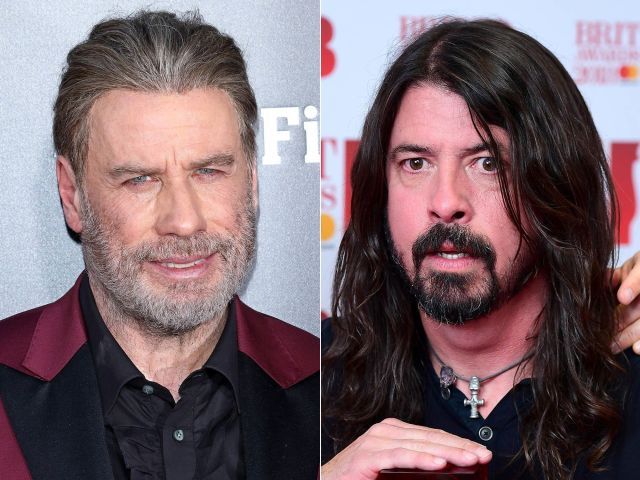 John Travolta briefly sangwith Dave Grohl on Saturday night.