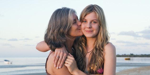 「teenage girl mother hd」的圖片搜尋結果