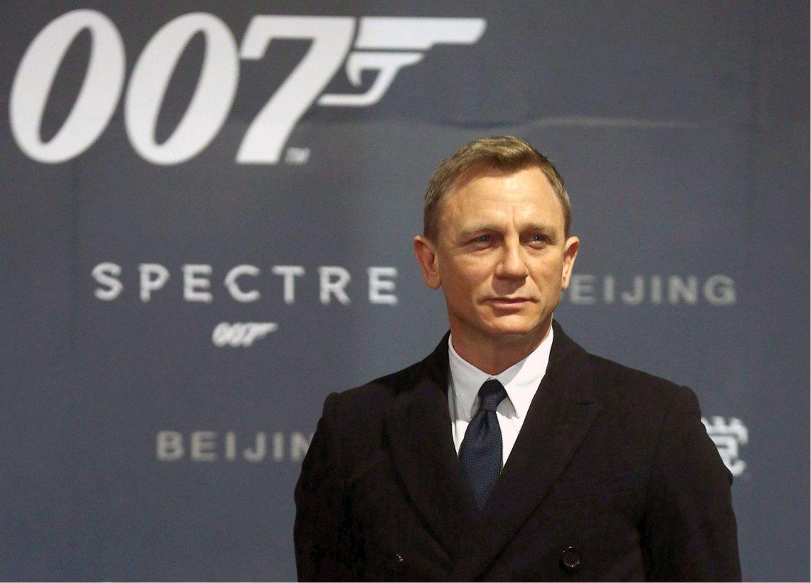Daniel Craig currently plays 007