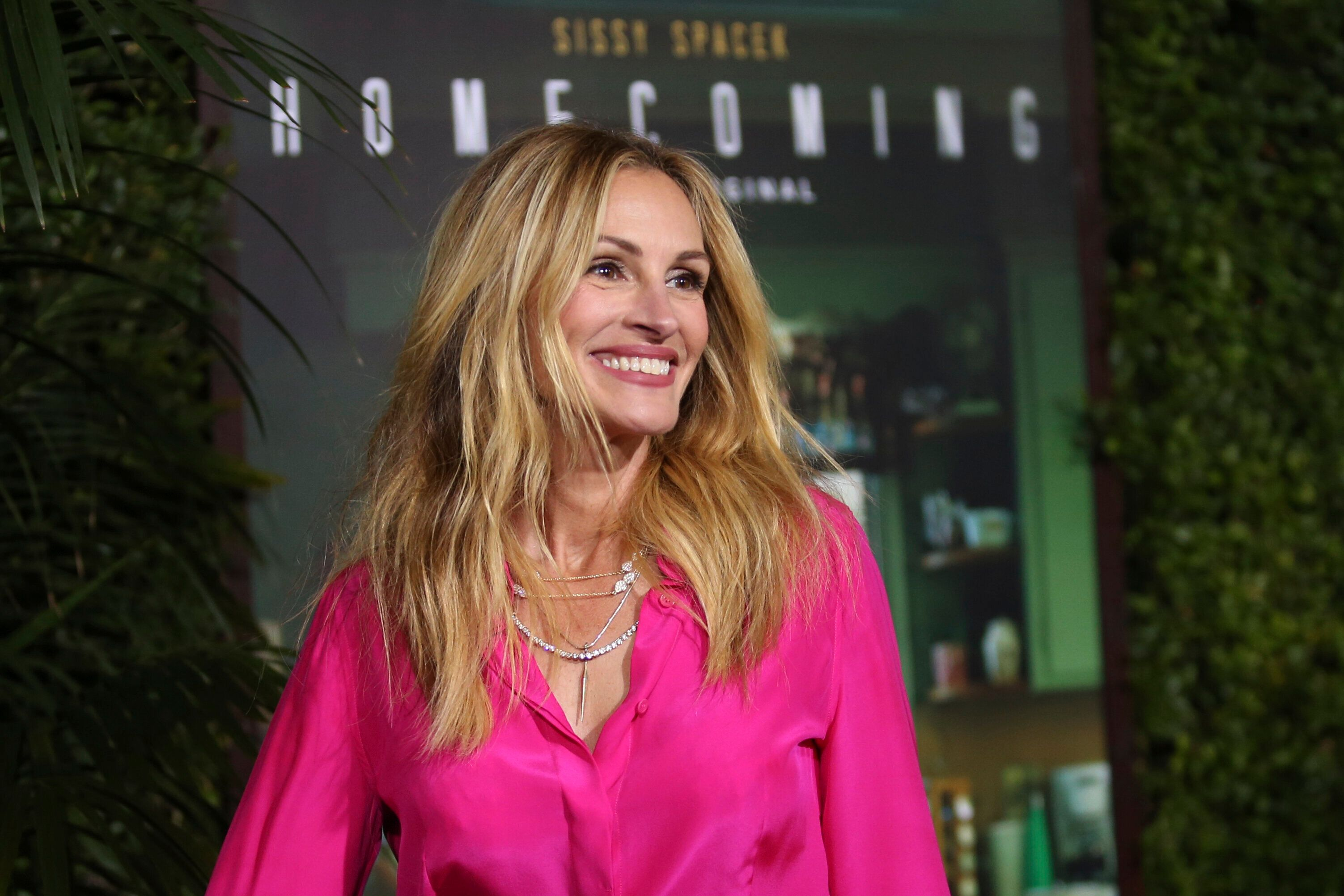 """Julia Roberts at the Los Angeles premiere of """"Homecoming."""""""