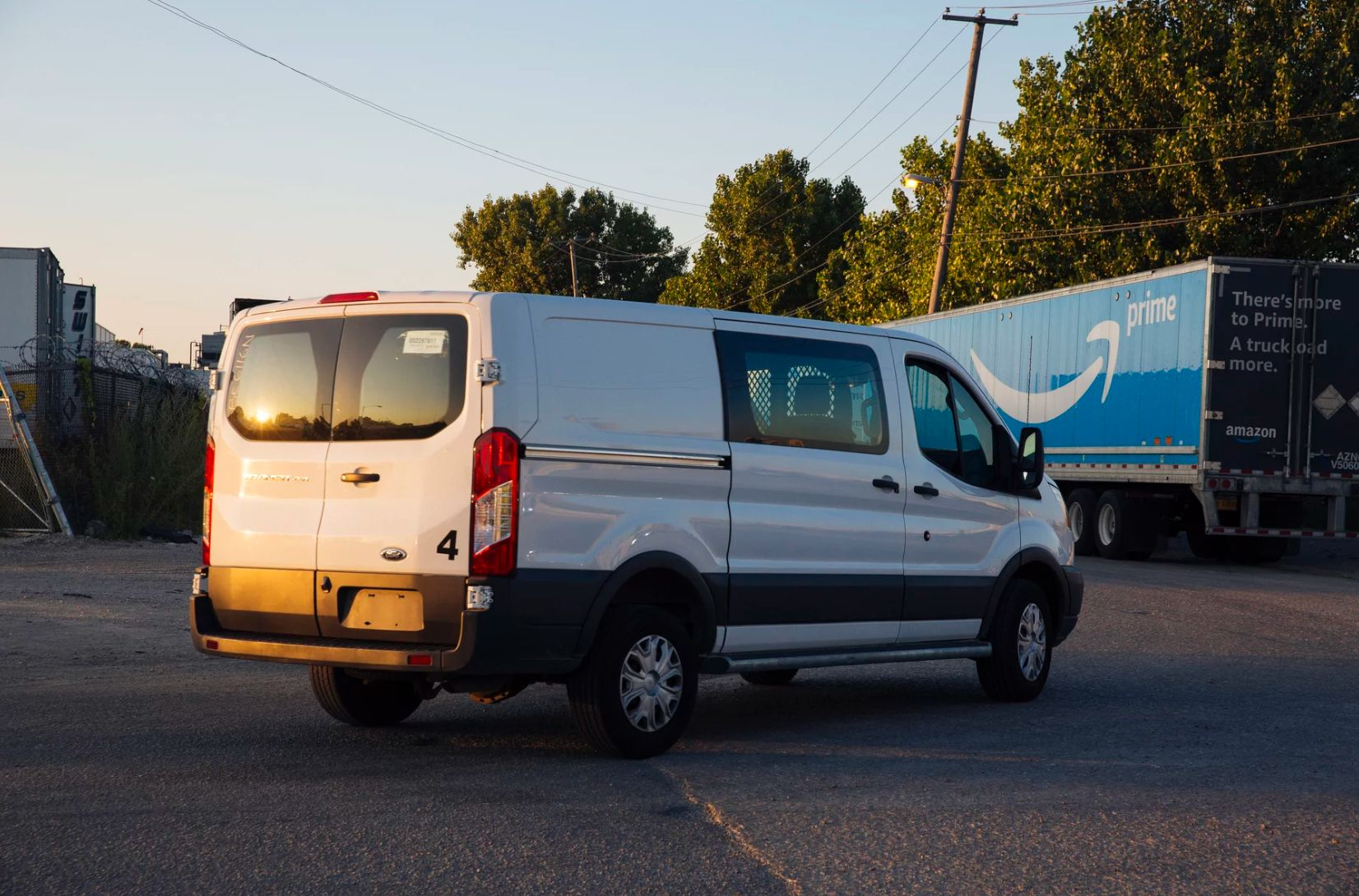 A van at the Amazon warehouse near where Raul Salinas was hit. (Taylor Glascock for ProPublica)