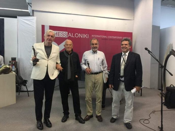 Οι δύο βραβευθέντες ο Mice Jankulovski (αριστερά) και στη μέση ο Μάνος