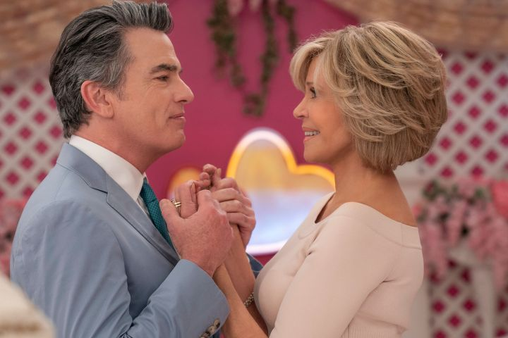 "Peter Gallagher and Jane Fonda in Season 6 of ""Grace and Frankie"""
