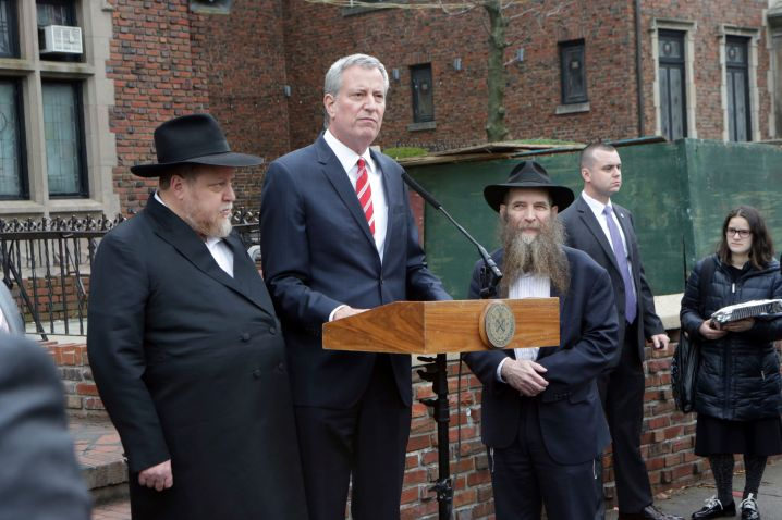 New York Cty Mayor Bill De Blasio visits the Brooklyn neighborhood of Crown Heights and the Chabad Lubavitch Headquarters on