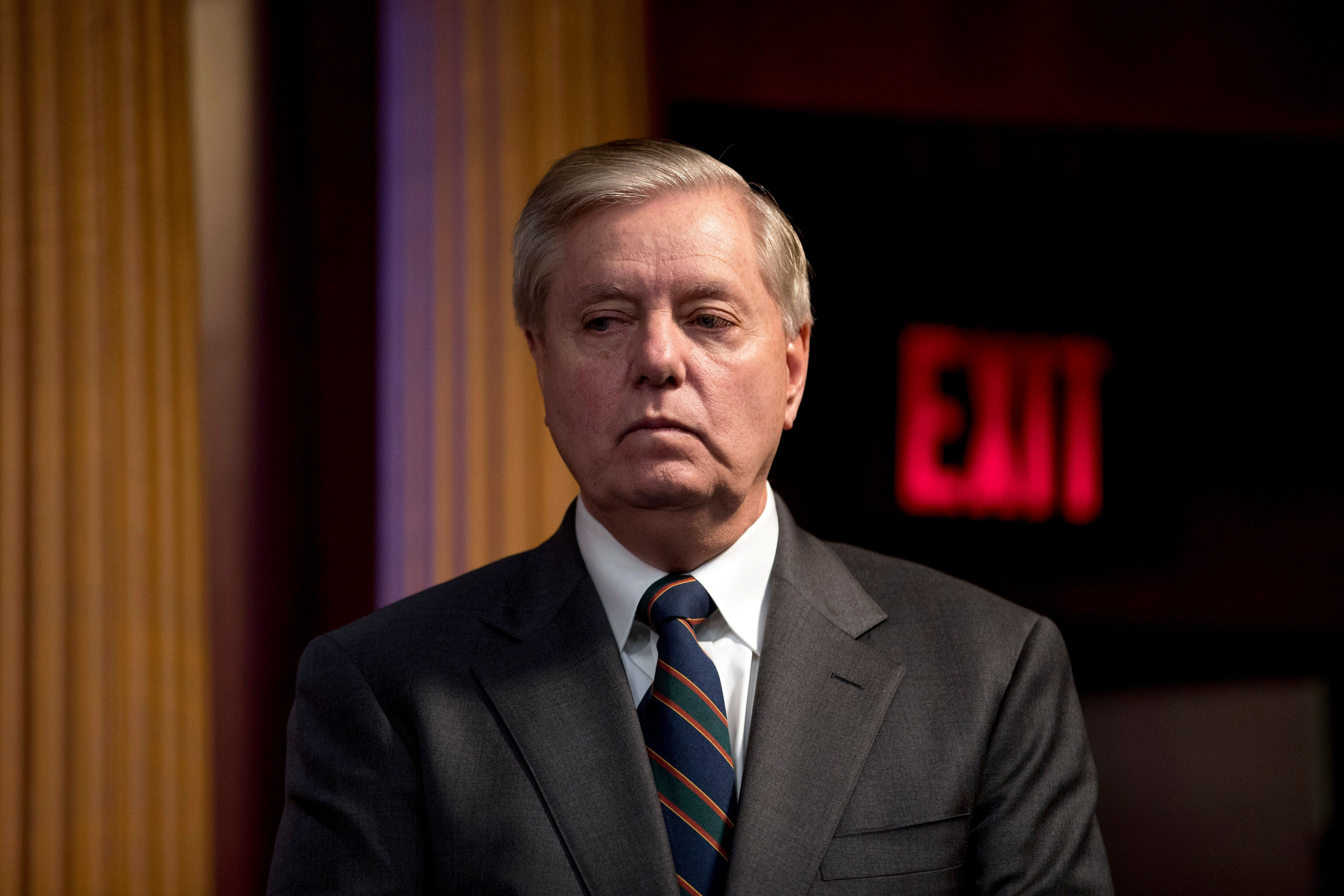 Congress Will Extend Unemployment Boost 'Over Our Dead Bodies,' Vows Lindsey Graham 1
