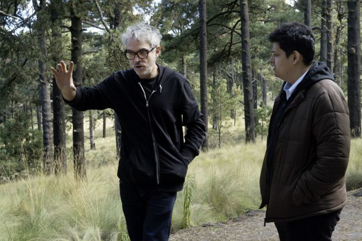 """Mentor Alfonso Cuarón (left) was """"very open"""" as he answered Protégé Chaitanya Tamhane's questions during the filming of Roma"""