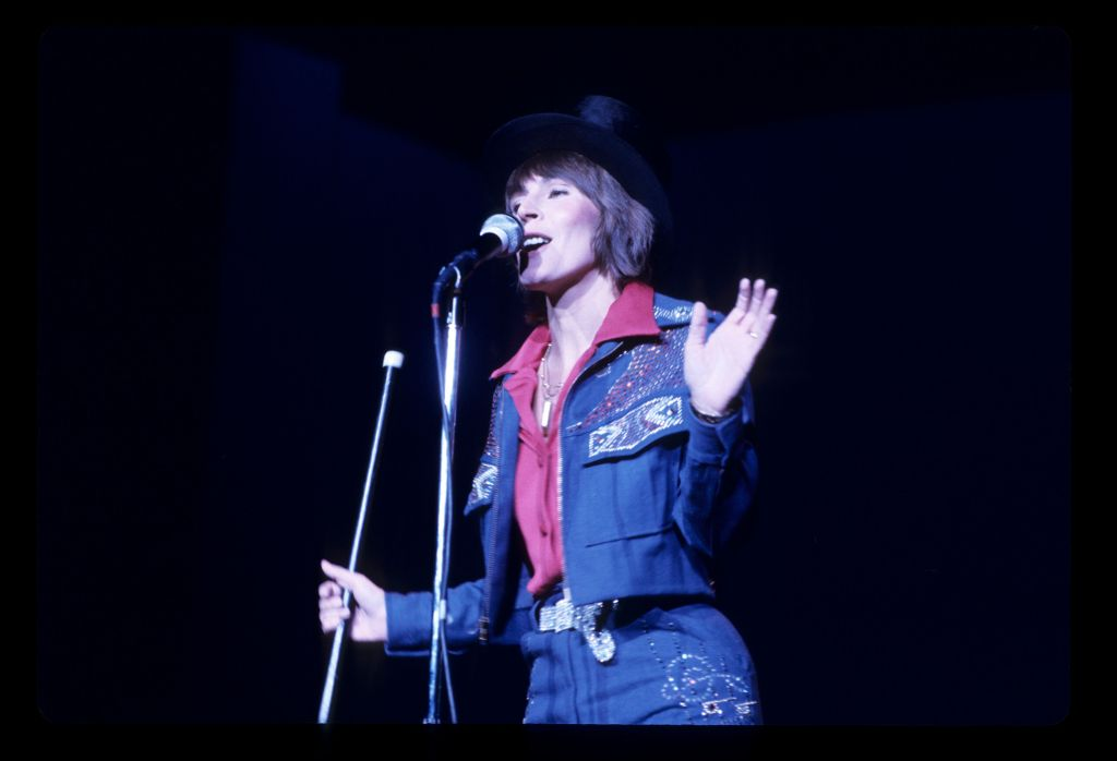 Helen Reddy, I Am Woman Singer, Dies Aged 78