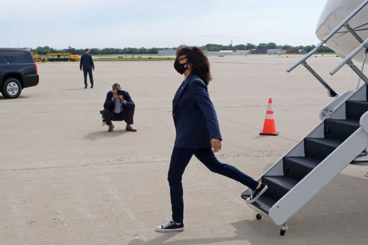 Harris arrives wearing her Converse at General Mitchell International Airport in Milwaukee, Wisconsin, Sept. 7, 2020.