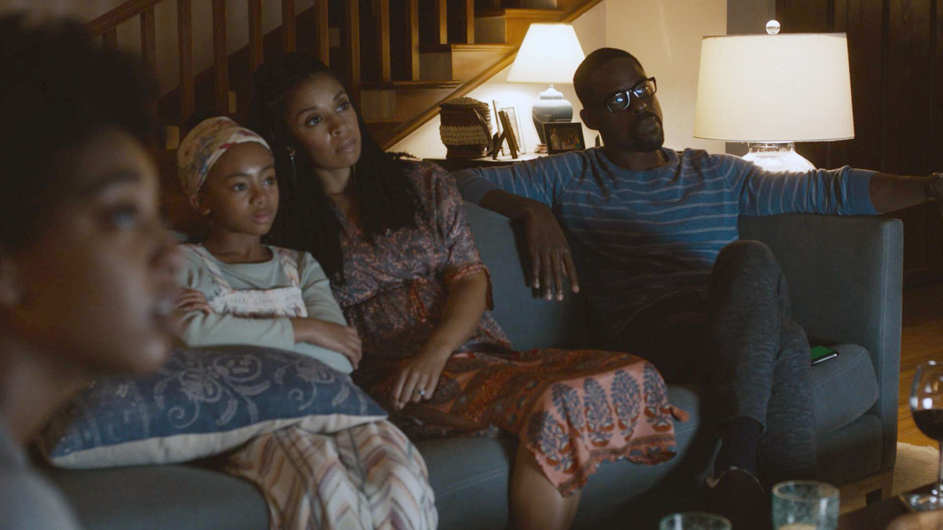 """Eris Baker as Tess, Faithe Herman as Annie, Susan Kelechi Watson as Beth, and Sterling K. Brown as Randall on """"This Is Us."""" T"""