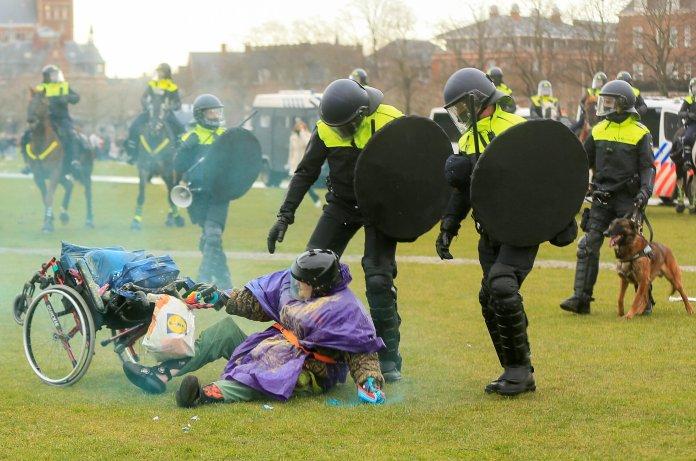 24 Ιανουαρίου 2021. Διαδηλωτές...