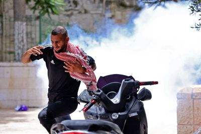 More Than 200 Palestinians Hurt In Jerusalem Holy Site Clash