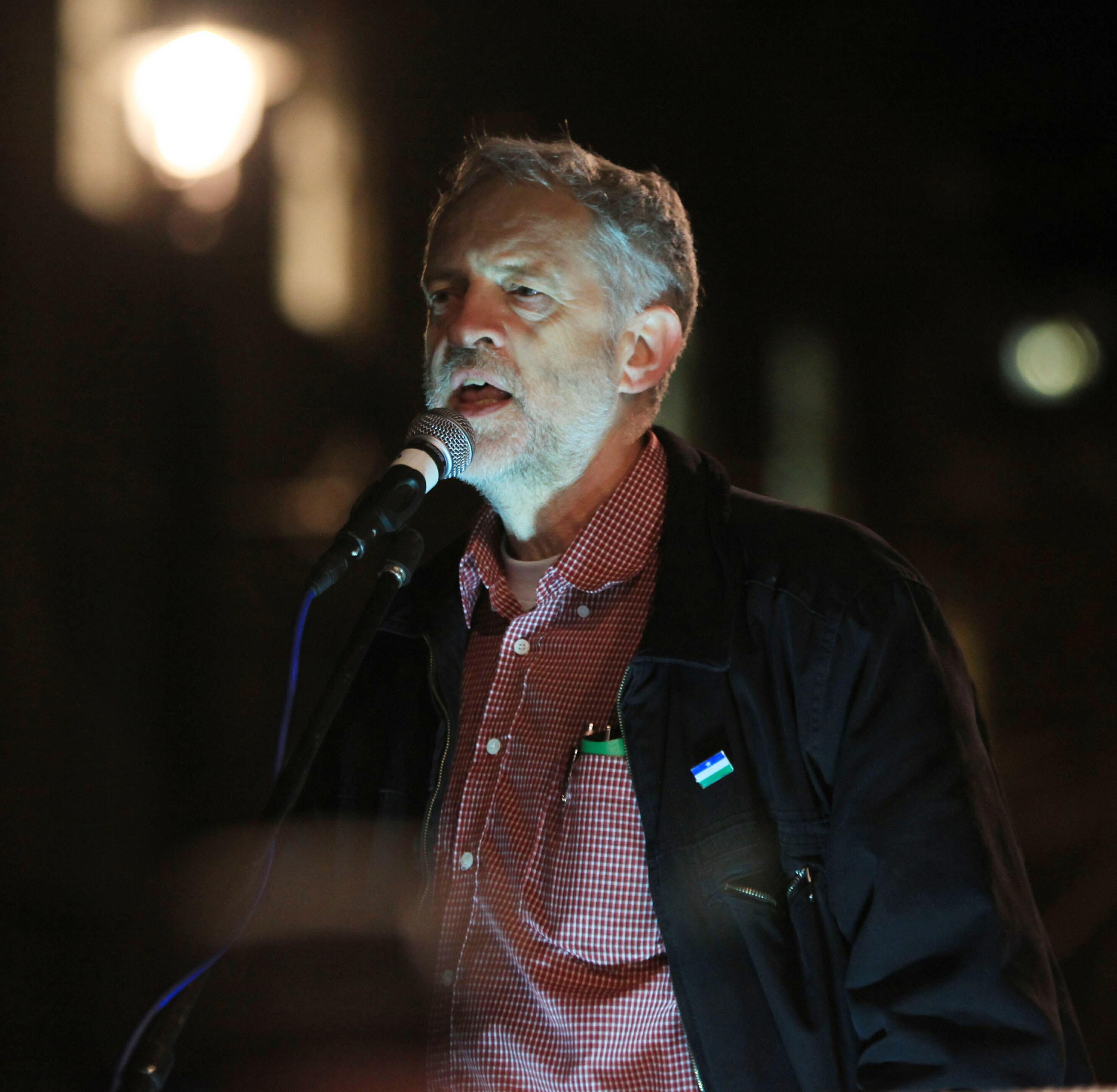 Hasil gambar untuk corbyn glastonbury
